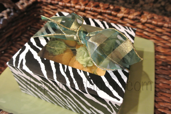 Baileys cupcakes gift box 2