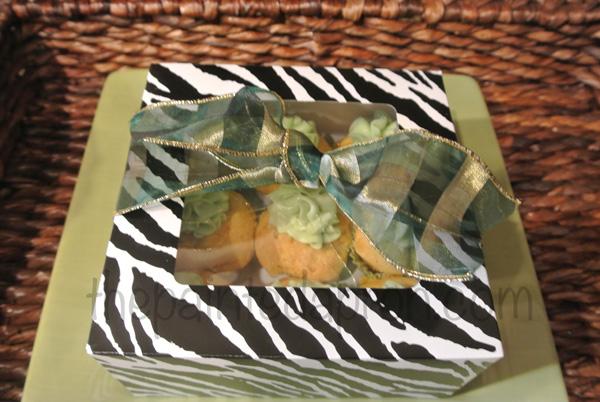Baileys Cupcakes gift box thepaintedapron.com