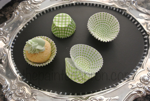 lined cupcakes thepaintedapron.com