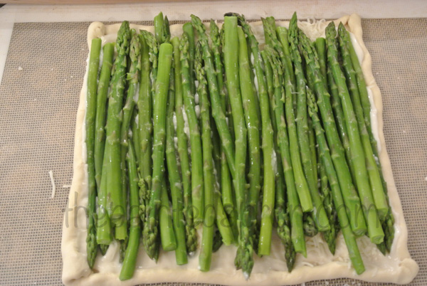 asparagus tart thepaintedapron.com
