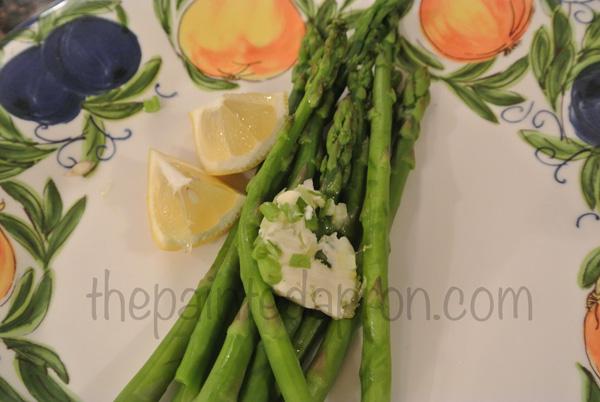 asparagus w:lemon chive butter thepaintedapron.com