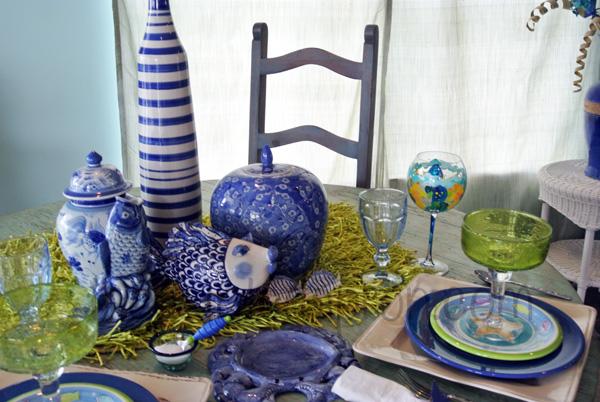 fish tablescape thepaintedapron.com