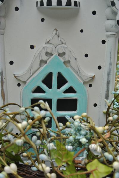 polka dot birdhouse thepaintedapron.com