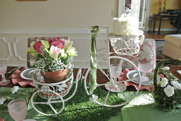 tulips & tricycles table thepaintedapron.com