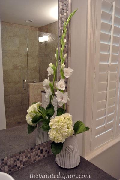 flower arrangement thepaintedapron.com