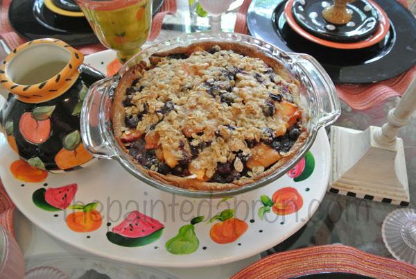 granola topped blueberry pie