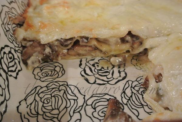 mushroom lasagna thepaintedapron.com