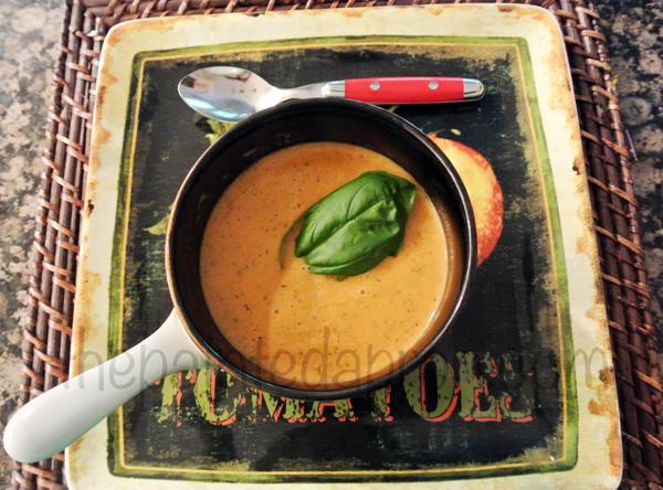 summer soup thepaintedapron.com