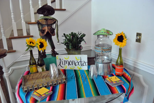 lemonade table thepaintedapron.com