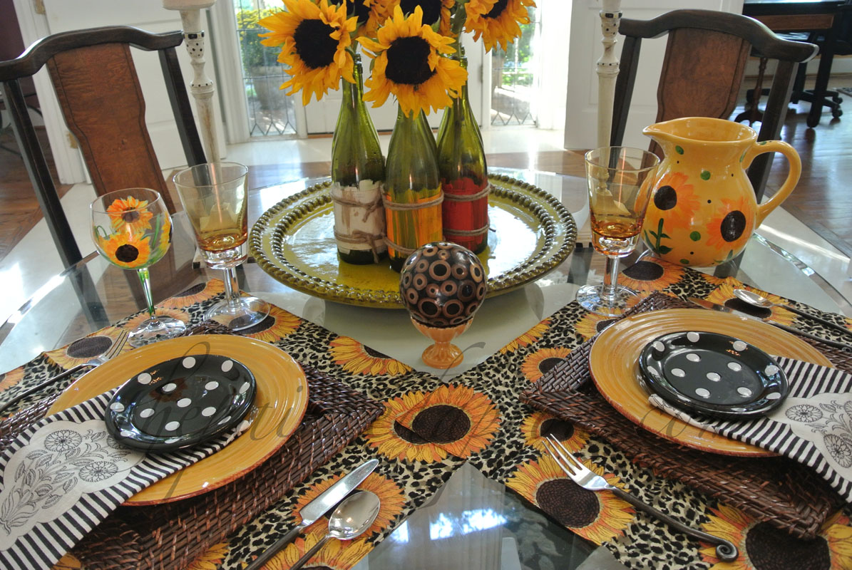 & Tablescapes Sunflower Table and Fiesta Chowder | The Painted Apron