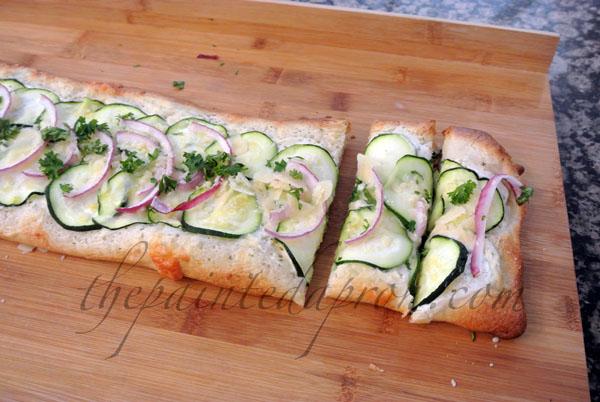 easy pizza thepaintedapron.com
