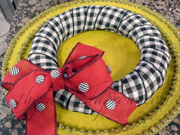 ribbon wreath thepaintedapron.com