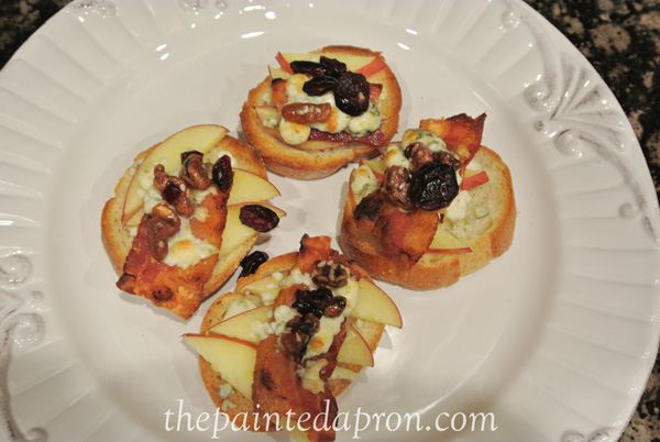 apple and bacon bruschetta thepaintedapron.com