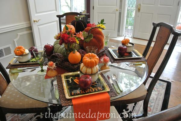 apples and pumpkins table thepaintedapron.com