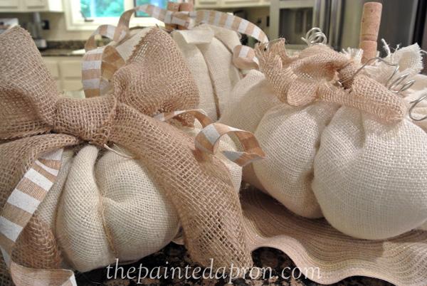 burlap pumpkin trio thepaintedapron.com