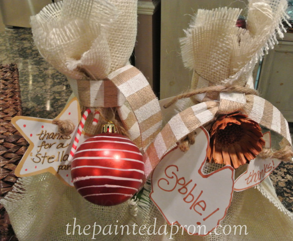 burlap wine holiday wraps thepaintedapron.com