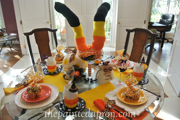 crazy for candy corn table thepaintedapron.com