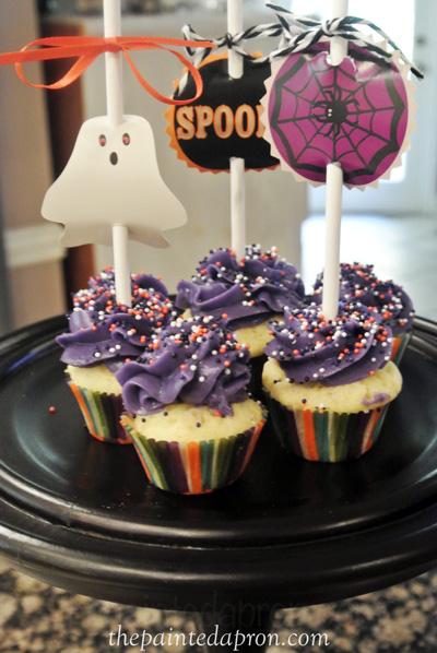 Halloween cupcakes thepaintedapron.com
