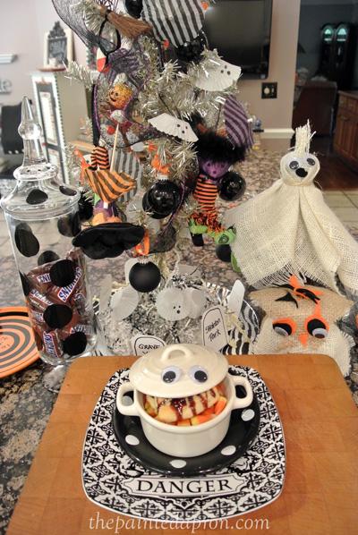 Halloween soup thepaintedapron.com