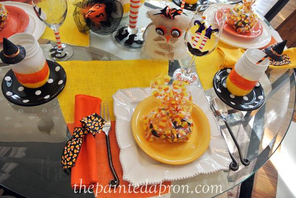 Halloween table thepaintedapron.com