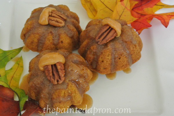 mini pumpkin muffins thepaintedapron.com