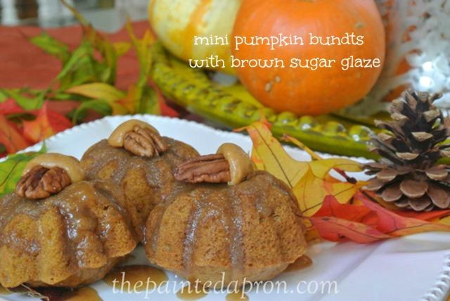 pumpkin bundt muffins thepaintedapron.com
