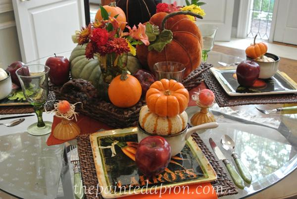 pumpkin centerpiece thepaintedapron.com