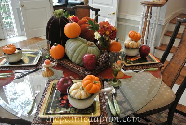 pumpkins table 2 thepaintedapron.com