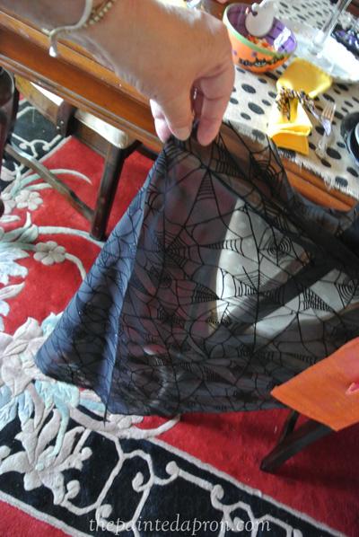 spider web cloth thepaintedapron.com