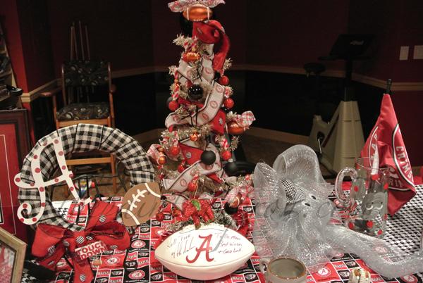 Alabama table thepaintedapron.com