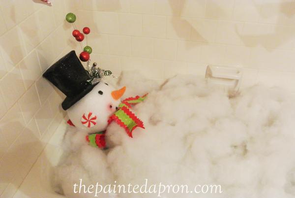 snowman in bath tub thepaintedapron.com