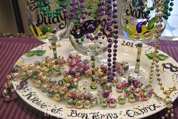 mardi gras tableware thepaintedapron.com & Party Panache Gearing up for Mardi Gras! | The Painted Apron