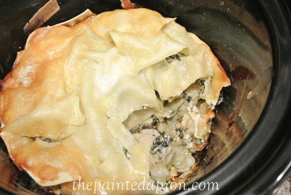 slow cooker lasagna with chicken and spinach thepaintedapron.com
