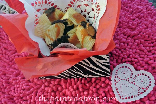 chocolate caramel chips thepaintedapron.com