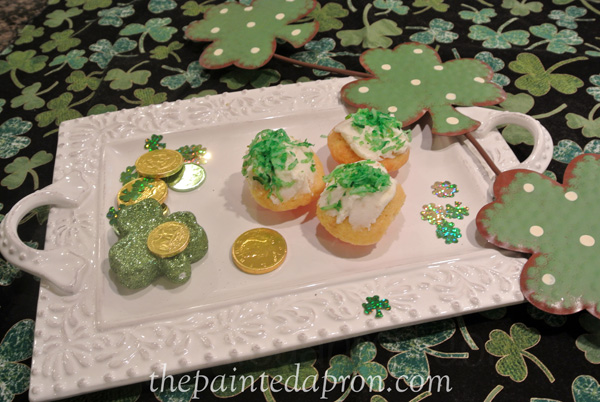 St. Pat's cupcakes thepaintedapron.com
