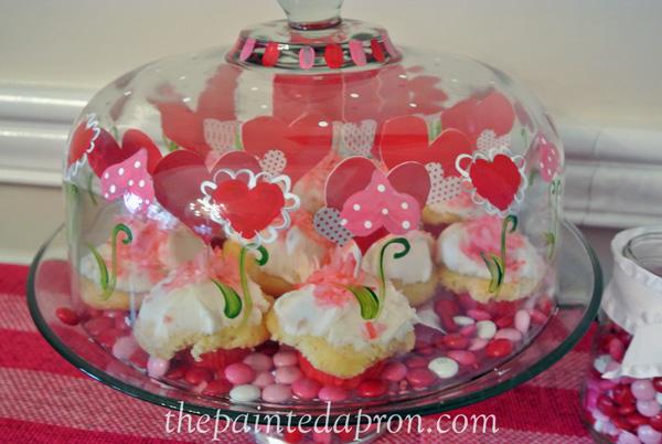 Valentine cupcake dome thepaintedapron.com