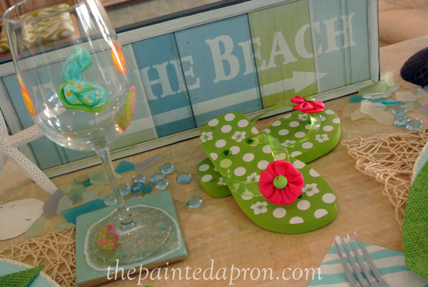 beach dreamin table thepaintedapron.com