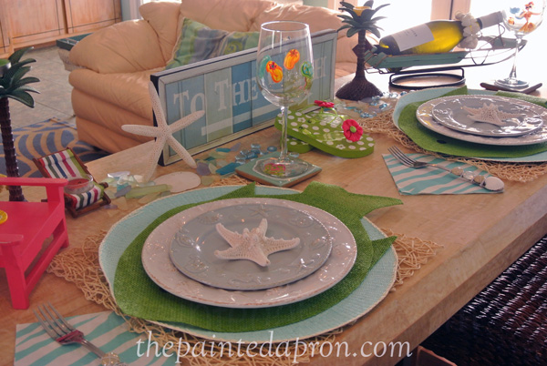 beach table thepaintedapron.com