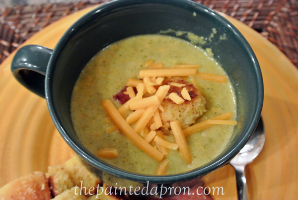 broccoli soup thepaintedapron.com
