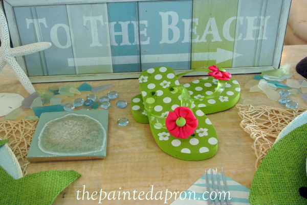flip flop table thepaintedapron.com