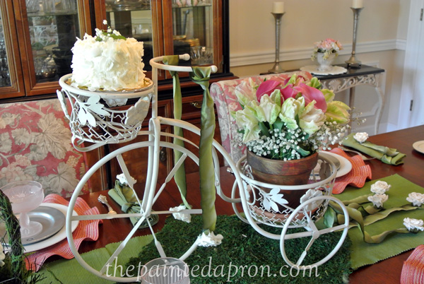 Tricycle centerpiece thepaintedapron.com