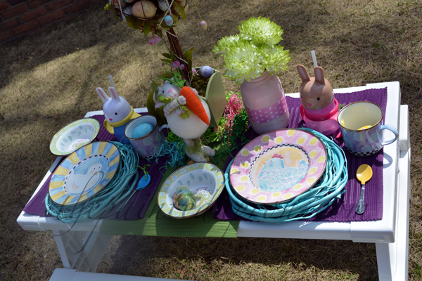 children's Easter table 2 thepaintedapron.com