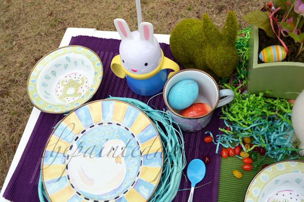 childrens Easter table thepaintedapron.com