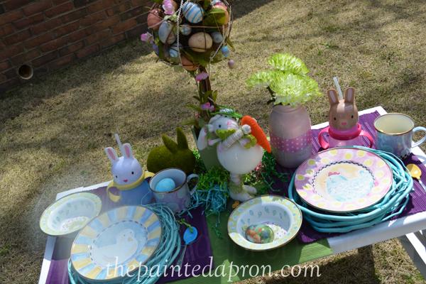 Easter egg table thepaintedapron.com 1
