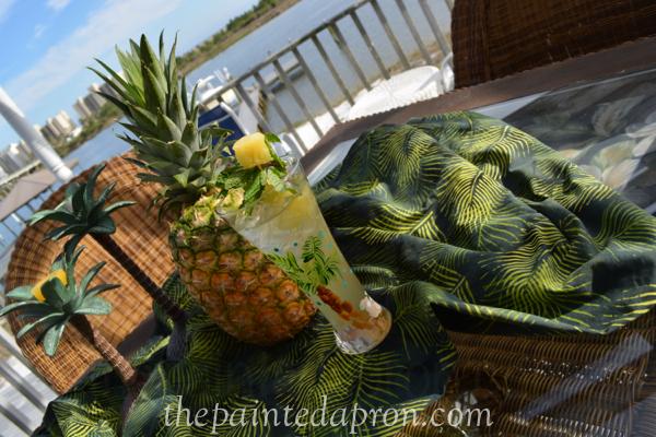 pineapple cocktail thepaintedapron.com