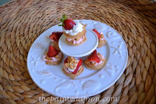 mini waffles thepaintedapron.com