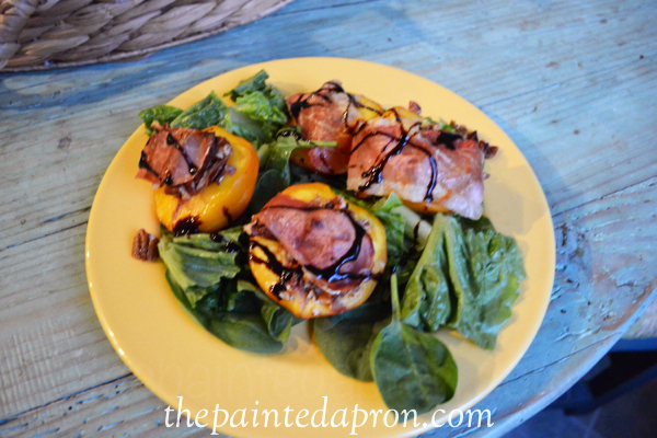 peach salad with balsamic thepaintedapron.com