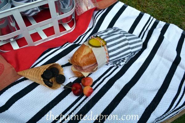 picnic sandwich thepaintedapron.com