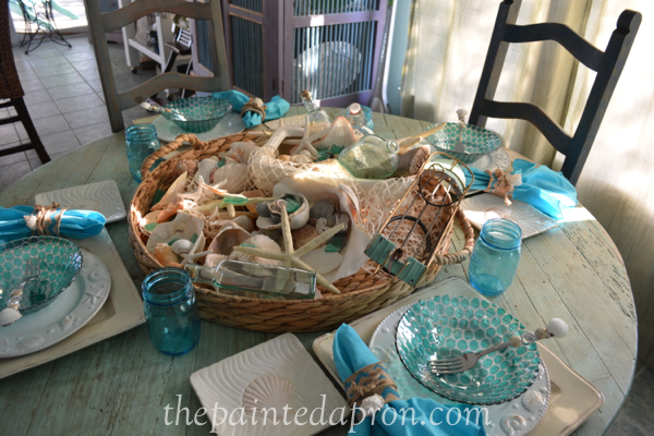sea breeze table thepaintedapron.com