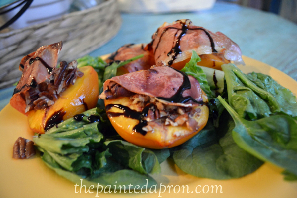 warm peach salad thepaintedapron.com